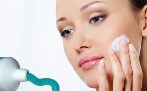 Is Using Toothpaste For Acne Efficient? 7 Tips and How-to