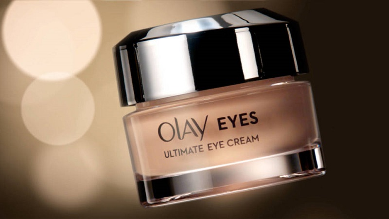 Olay Ultimate Eye Cream contains ingredients that reduce wrinkles, puffiness and dark circles around the eyes while hydrating and smoothing skin to generate a bright and beautiful radiance.